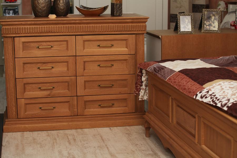 Mobilier dormitor clasic Gent - comoda lemn stejar