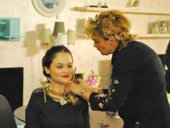Demonstratie montare colier designer Madalina Stoica